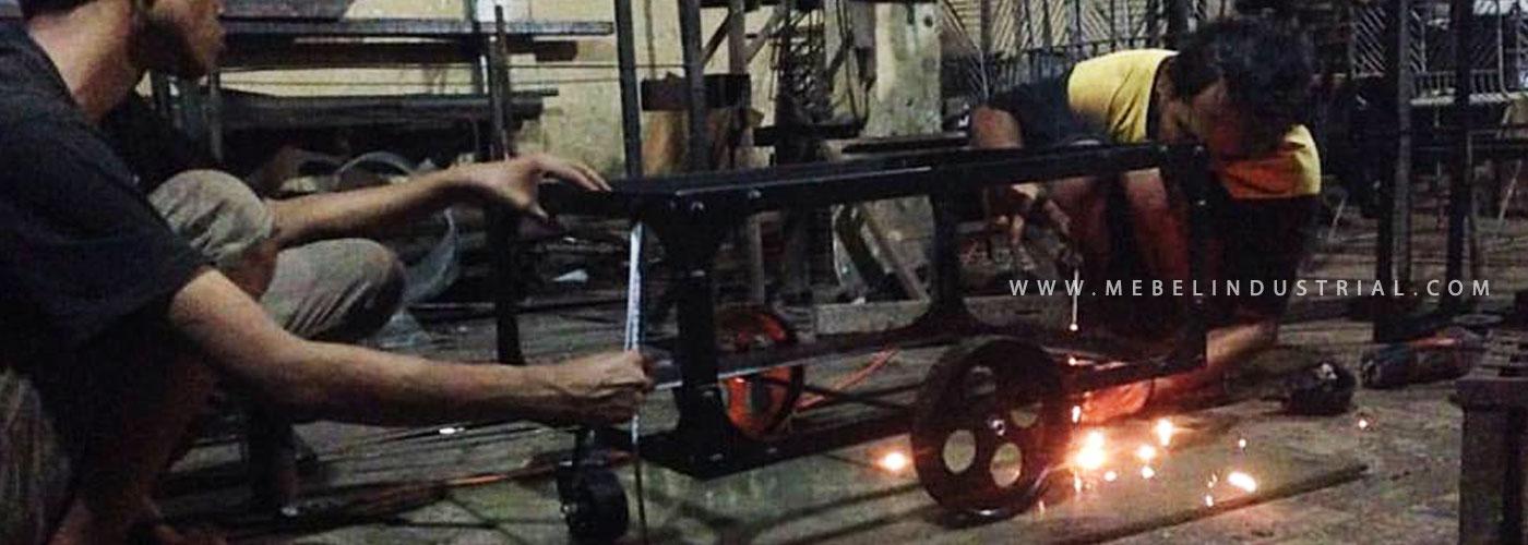 Produsen furniture besi by mebel industrial jepara